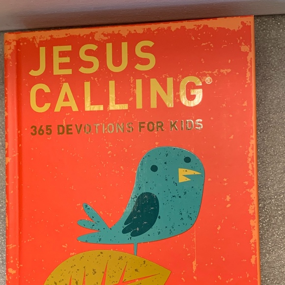 Jesus Calling Devotional For Kids by Sarah Young